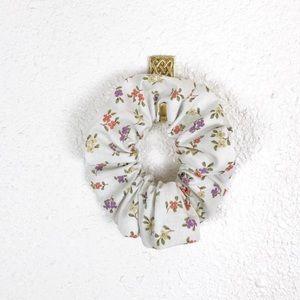 Floral Scrunchie Single